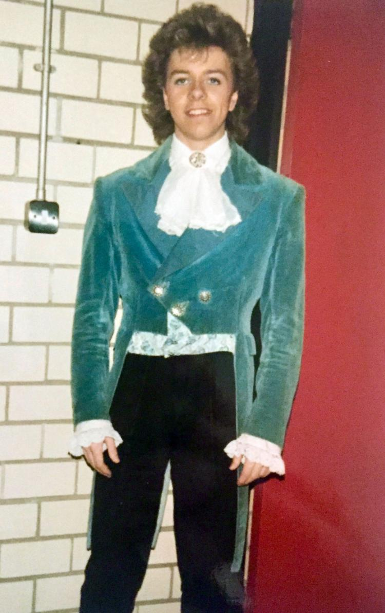 A very old pic as a dancer in Die Fledermaus opera